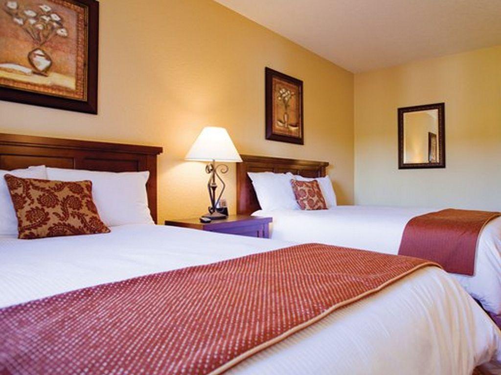 Guest Bedroom -2