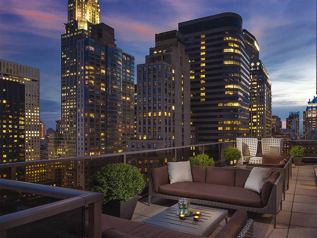 Sky Lounge Deck