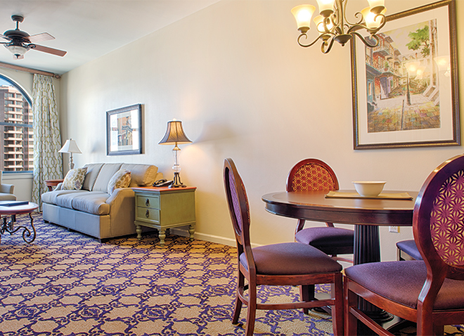 new-orleans-louisiana-wyndham-la-belle-maison-dining-and-living-area