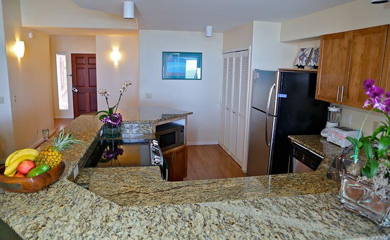 princeville-kauai-hawaii-wyndham-shearwater-kitchen