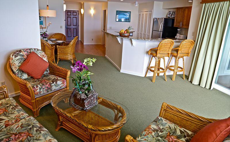 princeville-kauai-hawaii-wyndham-shearwater-living-room2