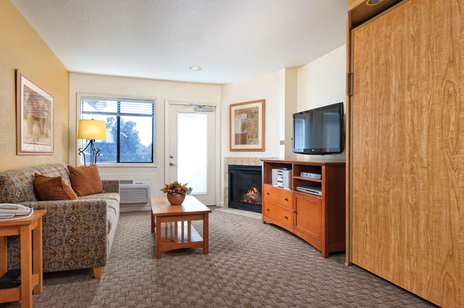 wyndham-WorldMark-afton-grand-lake-room-sitting-area
