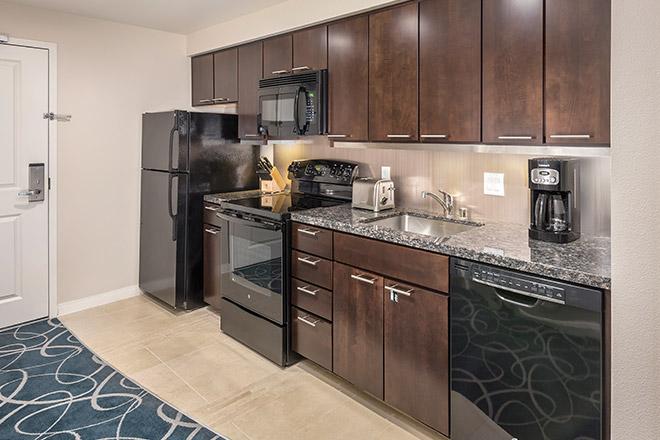 wyndham-desert-blue-kitchen