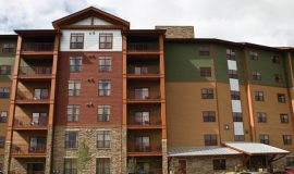 wyndham-vacation-resorts-great-smokies-lodge-exterior